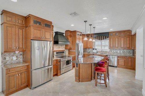 176-Vista-Oak-Dr--Longwood--FL-32779----15---Kitchen.jpg