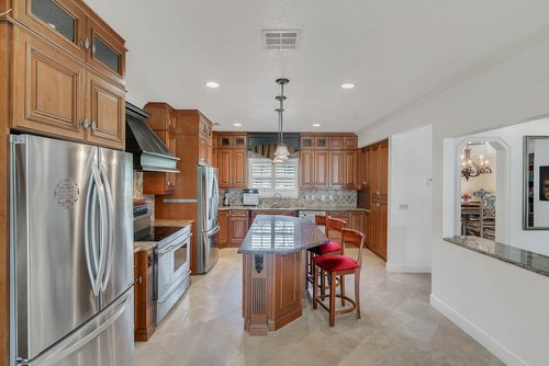 176-Vista-Oak-Dr--Longwood--FL-32779----16---Kitchen.jpg