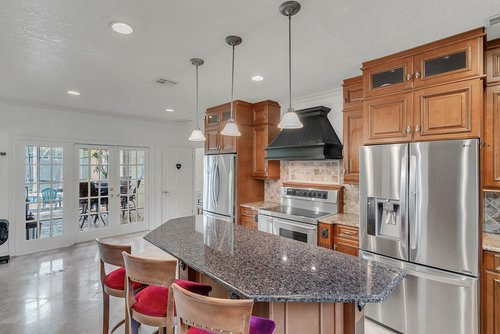 176-Vista-Oak-Dr--Longwood--FL-32779----17---Kitchen.jpg