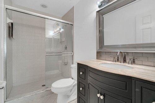 176-Vista-Oak-Dr--Longwood--FL-32779----31---Bathroom.jpg