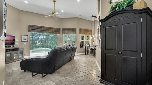 346-Savannah-Holly-Ln--Sanford--FL-32771-----11---Family-Room.jpg
