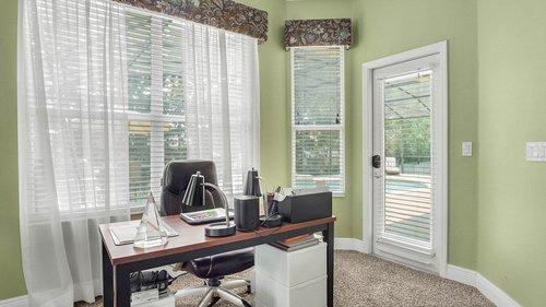346-Savannah-Holly-Ln--Sanford--FL-32771-----25---Master-Bedroom.jpg