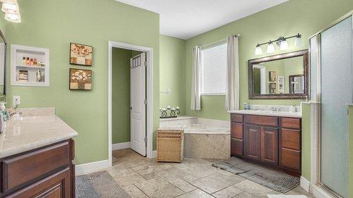 346-Savannah-Holly-Ln--Sanford--FL-32771-----27---Master-Bathroom.jpg