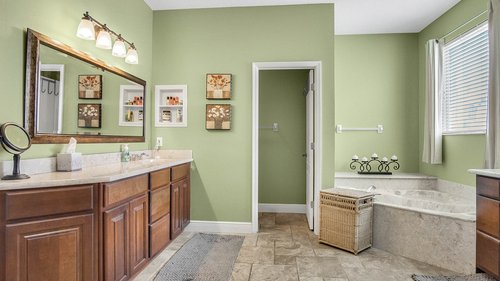 346-Savannah-Holly-Ln--Sanford--FL-32771-----28---Master-Bathroom.jpg