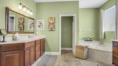 346-Savannah-Holly-Ln--Sanford--FL-32771-----28---Master-Bathroom.jpg