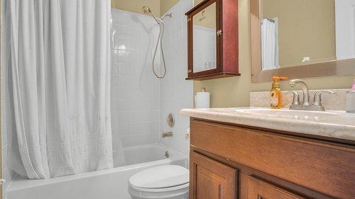 346-Savannah-Holly-Ln--Sanford--FL-32771-----31---Bathroom.jpg