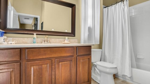 346-Savannah-Holly-Ln--Sanford--FL-32771-----33---Bathroom.jpg