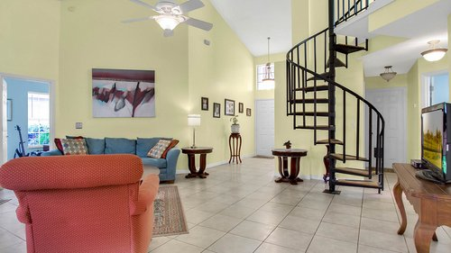 1370-Black-Willow-Trail--Altamonte-Springs--FL-32714----04---Family-Room.jpg
