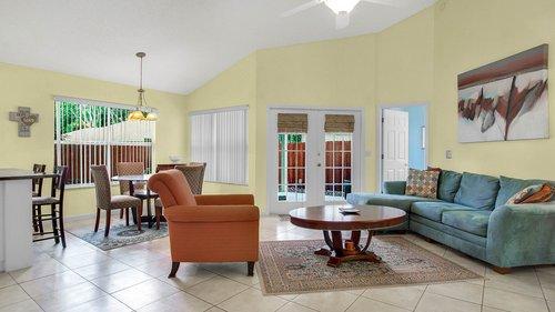 1370-Black-Willow-Trail--Altamonte-Springs--FL-32714----05---Family-Room.jpg