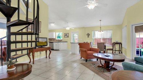 1370-Black-Willow-Trail--Altamonte-Springs--FL-32714----07---Family-Room.jpg