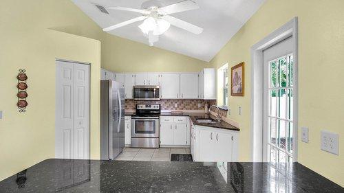 1370-Black-Willow-Trail--Altamonte-Springs--FL-32714----10---Kitchen.jpg