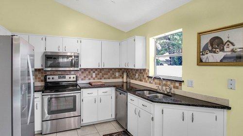 1370-Black-Willow-Trail--Altamonte-Springs--FL-32714----11---Kitchen.jpg