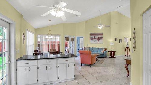 1370-Black-Willow-Trail--Altamonte-Springs--FL-32714----12---Kitchen.jpg