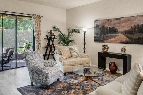 21-Apian-Way--Ormond-Beach--FL-32174----10---Family-Room-2.jpg