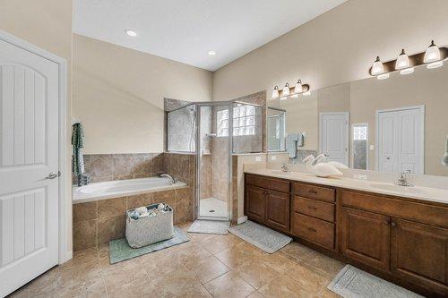 21-Apian-Way--Ormond-Beach--FL-32174----14---Master-Bathroom.jpg