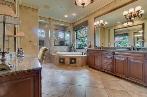 7745-Markham-Bend-Pl--Sanford--FL-32771----20---Master-Bathroom.jpg