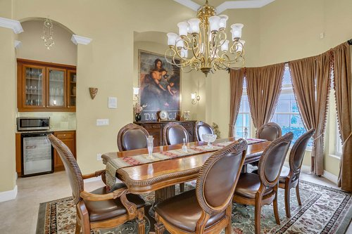 17908-Burnt-Oak-Ln.-Lithia--FL-33547--05--Dining-Room-1.jpg