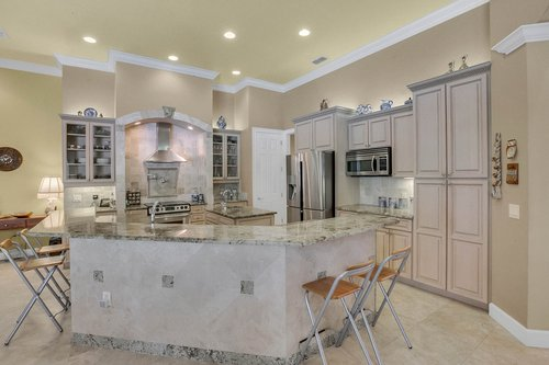 17908-Burnt-Oak-Ln.-Lithia--FL-33547--35--Kitchen-1.jpg