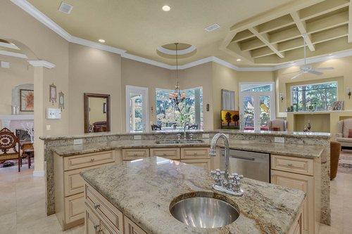 17908-Burnt-Oak-Ln.-Lithia--FL-33547--37--Kitchen-3.jpg
