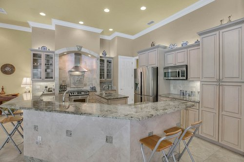 17908-Burnt-Oak-Ln.-Lithia--FL-33547--38--Kitchen-4.jpg