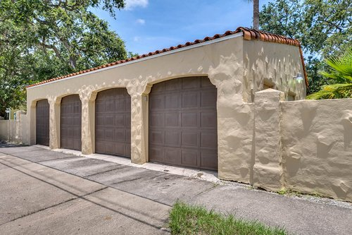 4024-W-Bay-to-Bay-Blvd.-Tampa--FL-33629--18--Garage.jpg