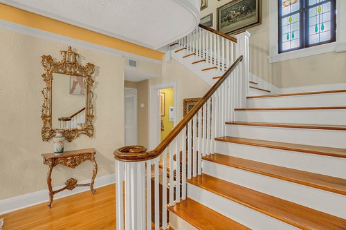 4024-W-Bay-to-Bay-Blvd.-Tampa--FL-33629--54--Stair-Case-2.jpg