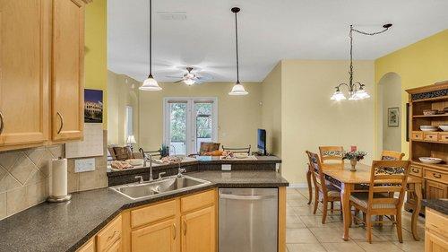 1015-Ridgemount-Pl--Lake-Mary--FL-32746--38-----18---Kitchen.jpg