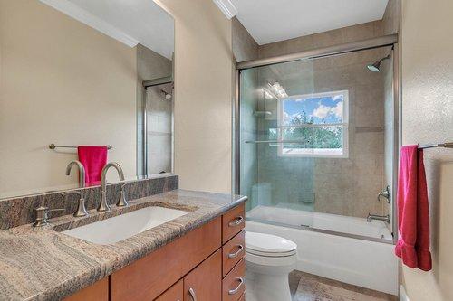 1723-Hidden-Palms-Dr--Davenport--FL-33897----26---Bathroom.jpg