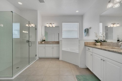 627-Stone-Oak-Dr--Sanford--FL-32771----14---Master-Bathroom.jpg