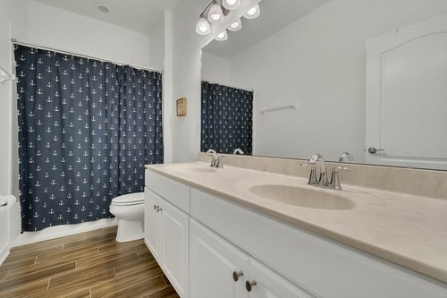 627-Stone-Oak-Dr--Sanford--FL-32771----18---Bathroom.jpg