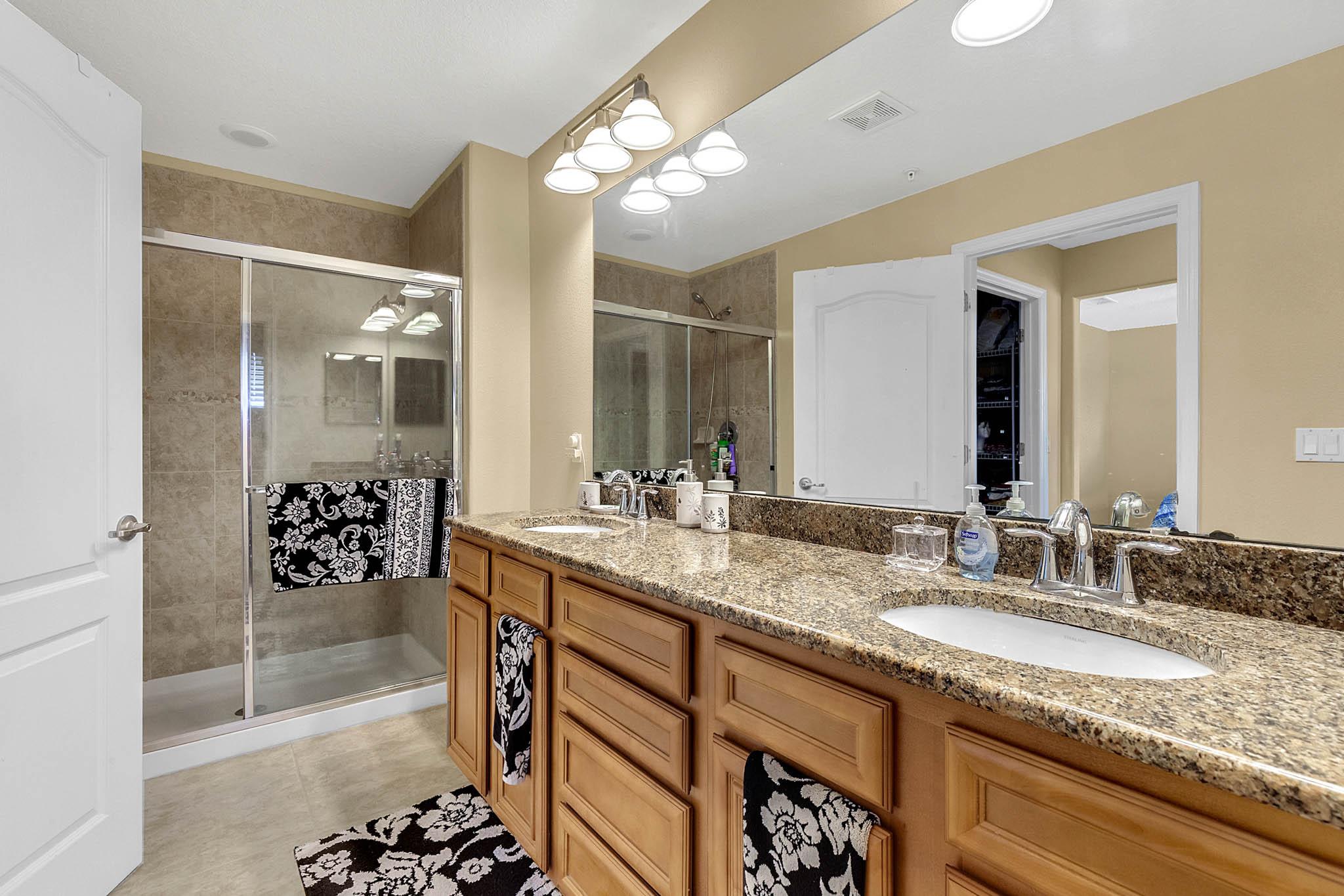 1417-Priory-Cir--Winter-Garden--FL----10---Master-Bathroom.jpg