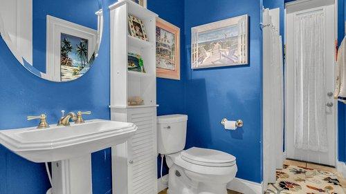 731-Mills-Estate-Pl--Chuluota--FL-32766----26---Bathroom.jpg