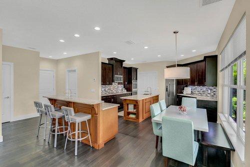 9000-Easterling-Dr--Orlando--FL-32819----11---Kitchen.jpg