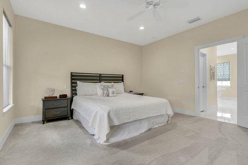 9000-Easterling-Dr--Orlando--FL-32819----25---Master-Bedroom.jpg