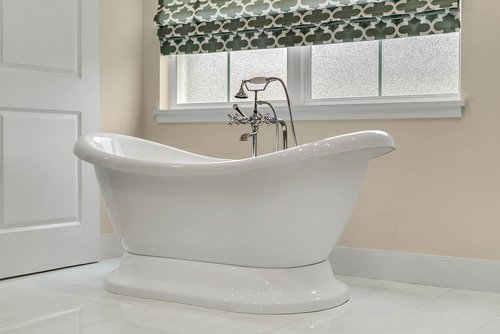 9000-Easterling-Dr--Orlando--FL-32819----29---Mastrer-Bathroom.jpg