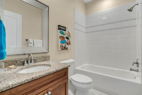 9000-Easterling-Dr--Orlando--FL-32819----32---Bathroom.jpg