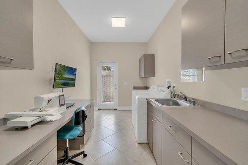 9000-Easterling-Dr--Orlando--FL-32819-Laundry-Room----01---Laundry.jpg