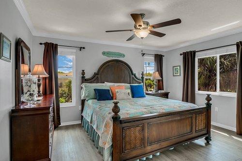 216-69th-St--Holmes-Beach--FL-34217--12--Unit-1-Bedroom-1---2.jpg
