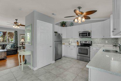 216-69th-St--Holmes-Beach--FL-34217--31--Unit-2-Kitchen-1---2.jpg
