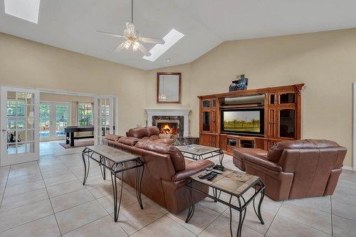 5219-Fawnway-Ct--Orlando--FL-32819----09---Family-Room-copy.jpg