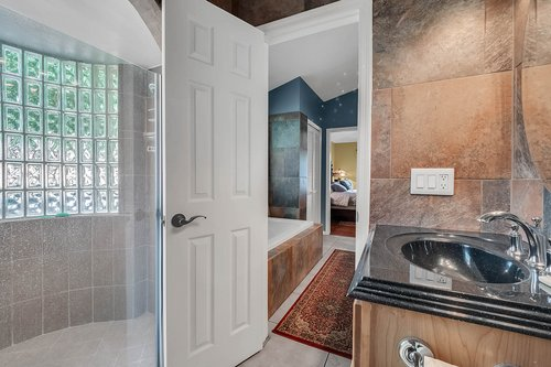 5219-Fawnway-Ct--Orlando--FL-32819----20---Master-Bathroom.jpg