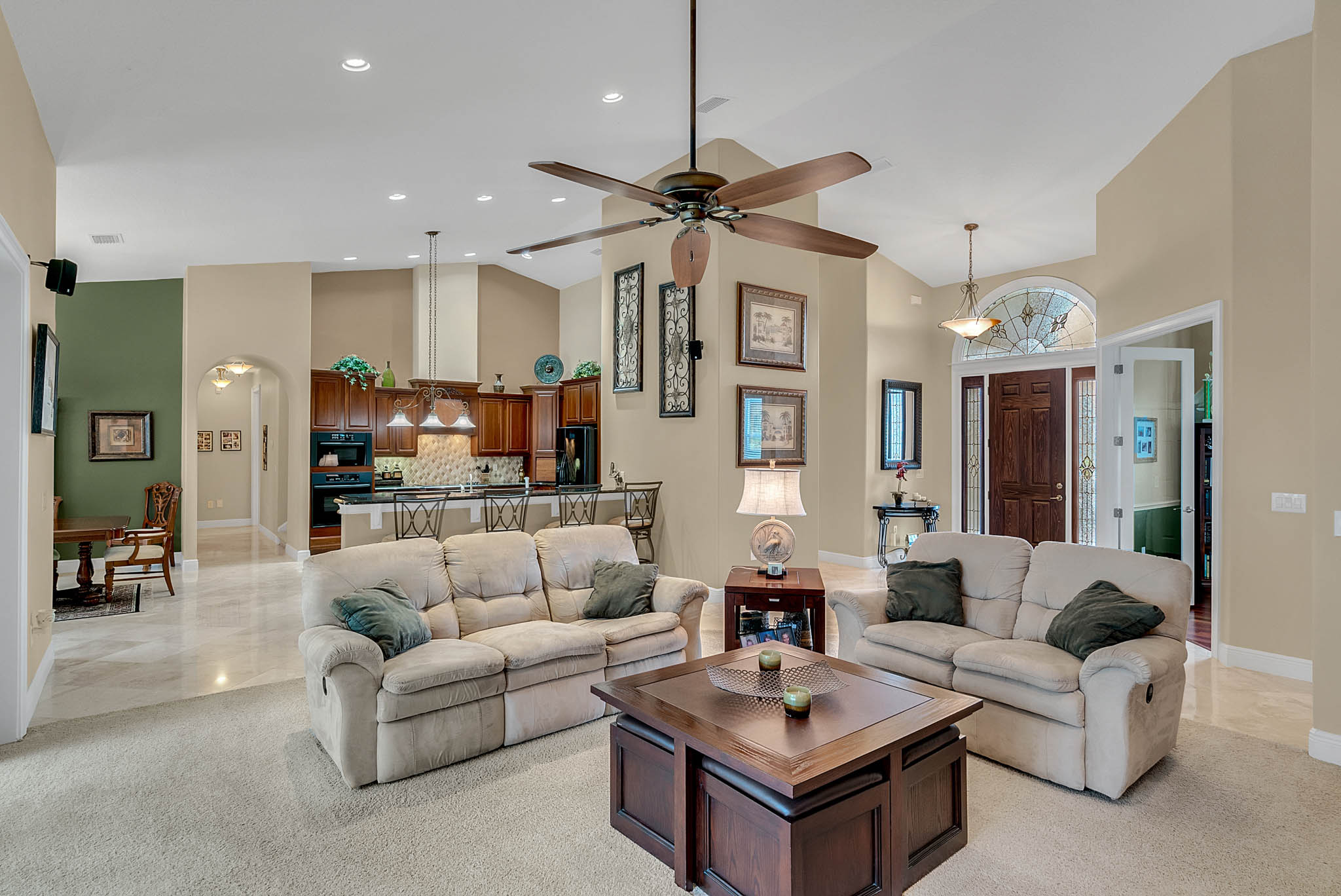 7919-Florida-Boys-Ranch-Rd--Groveland--FL-34736----08---Family-Room.jpg