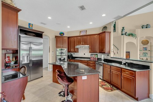 11648-Osprey-Pointe-Blvd--Clermont--FL-34711---16---Kitchen.jpg
