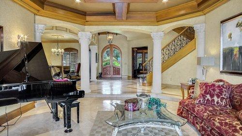 9043-Southern-Breeze-Dr--Orlando--FL-32836----06---Foyer.jpg