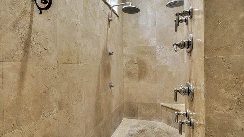 9043-Southern-Breeze-Dr--Orlando--FL-32836----27---Master-Bathroom.jpg