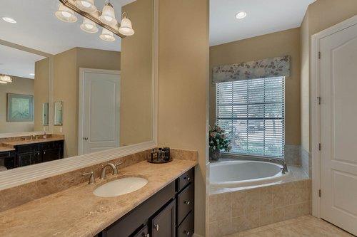 Interior-22---Master-Bathroom---1260-Bella-Vista-Cir--Longwood--FL-32779.jpg