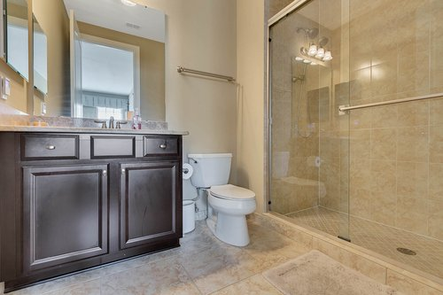 Interior-29---Bathroom---1260-Bella-Vista-Cir--Longwood--FL-32779.jpg