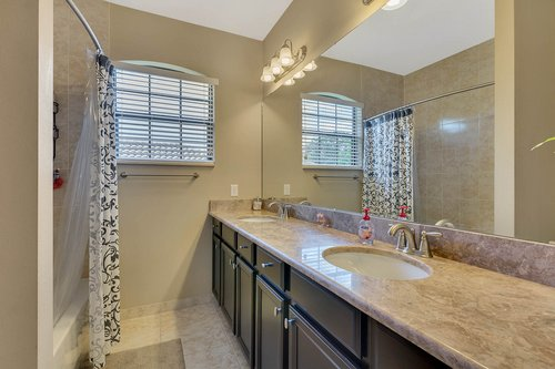 Interior-33---Bathroom---1260-Bella-Vista-Cir--Longwood--FL-32779.jpg