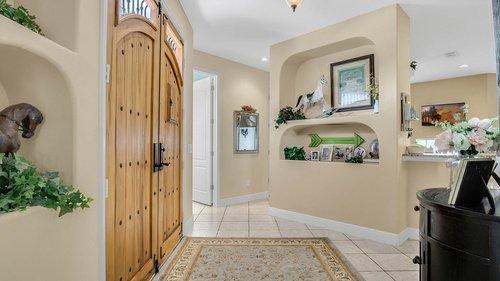2421-Lake-St--Deltona--FL-32738----05---Foyer.jpg