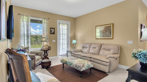 2421-Lake-St--Deltona--FL-32738----08---Family-Room.jpg